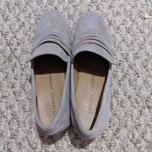 Loafer style low heel